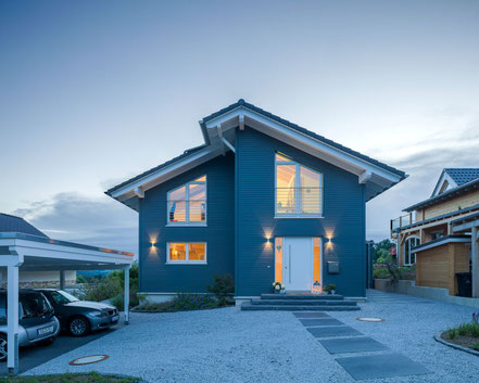 Beautiful 3 bedroom eco house with timber exterior - dark grey