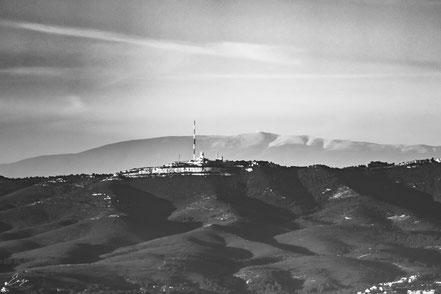 Le sommet de l'étoile et le Mont Ventoux