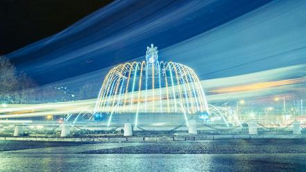Pose longue de la rotonde de nuit à Aix en provence (temps de pose : 20s - f11)