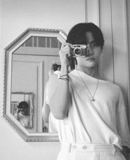 BTS Taehyung with camera