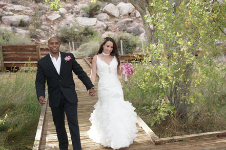 Brautpaar in Las Vegas trägt geliehene Bekleidung vom Hochzeitsausstatter