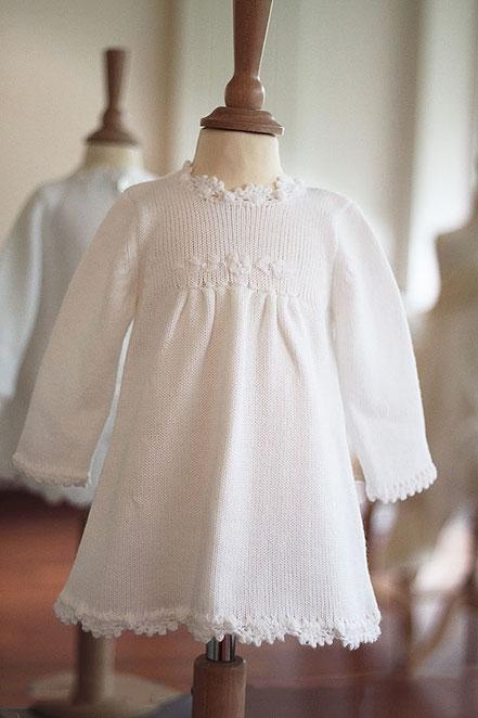 c410393f7e6e6 Robe baptême bébé fille hiver en lainage blanc manches longues. Magasin  Vêtements baptême Paris