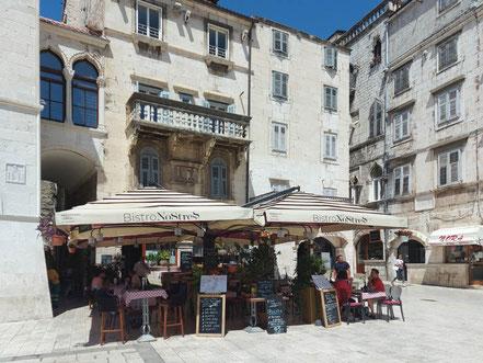 MAG Lifestyle Magazin Urlaub Reisen Kroatien Split Hafenstadt Dalmatien Altstadt Diokletian Palast Diokletianpalast