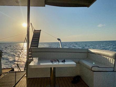 MAG Lifestyle Magazin Reisen Urlaub Reisen Italien Apulien Drehorte James Bond 007 No time to Die P-Boot Paragon 700 Gravina Filmszehnen Viadukt Ostuni