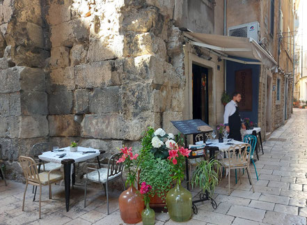 MAG Lifestyle Magazin Urlaub Reisen Kroatien Split Hafenstadt Dalmatien Restaurants Altstadt Diokletianpalast