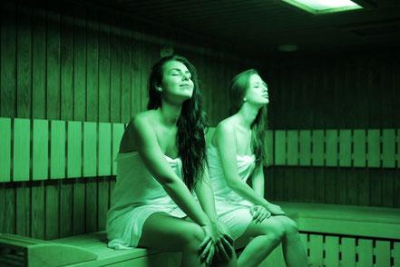 mag lifestyle magazin online sauna gesundheit farblichttherapie corona lockdown geschlossene hotels wellnesseinrichtungen