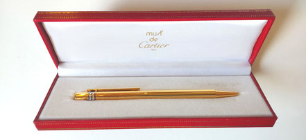 MAG Lifestyle Magazin online Le Must de Cartiere vintage Accesoires Uhren Schreibwaren Sonnenbrillen Feuerzeuge
