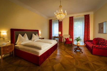 MAG Lifestyle Magazin online Corona Virus Lockdown Graz Luxushotel Parkhotel verschenkt Zimmer Touristen Österreich Urlaub Reisen