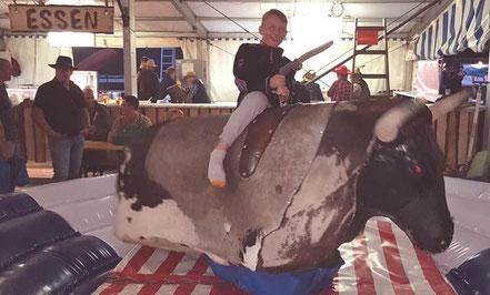 mag lifestyle magazin online reisen urlaub events österreich kulm bad mitterndorf tauplitz countryfest bullriding wilder westen skispringer cowboys