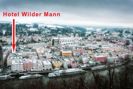 MAG Lifestyle Magazin Reisen Urlaub Deutschland Passau Rathausplatz residieren historisches Ambiente