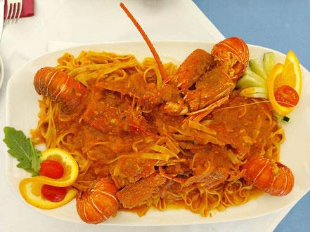 MAG Lifestyle Magazin Urlaub Reisen Kroatien Split Hafenstadt Dalmatien Riva Restaurant Adriana