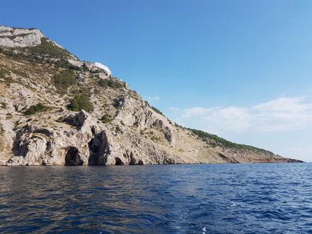 MAG Lifestyle Magazin Kroatien Dalmatien Urlaub Reisen Adria FKK schönste Strände Makarska Riviera Brela schwimmen sonnen nackt Bucht Vrulja