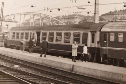 MAG Lifestyle Magazin Reisen Urlaub Bahnreisen Europa Züge Eisenbahn Frankreich SNCF Lazarettwagen 80er Jahre vor Corona Coronakrise