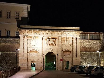 MAG Lifestyle Magazin Urlaub Reisen Zadar Kroatien Dalmatien Meeresorgel Kornaten Yachtcharter Gourmet Restaurant Fosa Küstenpatent Kurs Prüfung