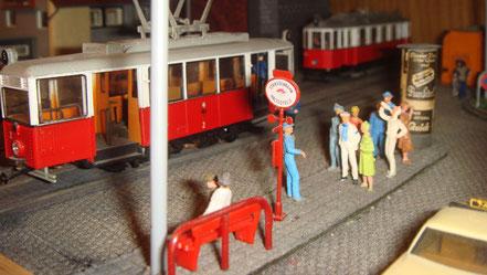MAG Lifestyle Magazin Modellbahn Modellbahnen Traumorte Berge Meer verreisen Gedanken Vitrinen Modellbahndioramen Dioramen Fahrbetrieb Diorama Strassenbahnen Wien