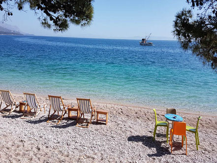 MAG Lifestyle Magazin Kroatien Dalmatien Urlaub Reisen Brela Beachbar Caffe Macic Kulinarik Makarska Riviera