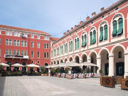 MAG Lifestyle Magazin Urlaub Reisen Kroatien Split Hafenstadt Dalmatien Altstadt Diokletian Palast Diokletianpalast Plätze