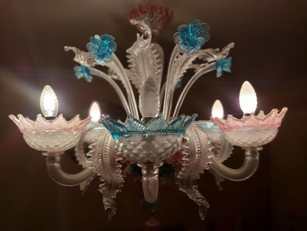 MAG Lifestyle Magazin Urlaub Reisen Triest Italien Venedig Insel Murano Glasfabrik Glasherstellung mundgeblasenes Glas Tradition Kunst Luxus Obstluster Blumenluster
