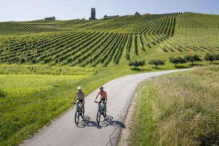 MAG Lifestyle Magazin Urlaub Reisen Österreich Südsteiermark Wellness Beautyangebote Wandern Radfahren Yoga Kräuter Kochen Kosmetik