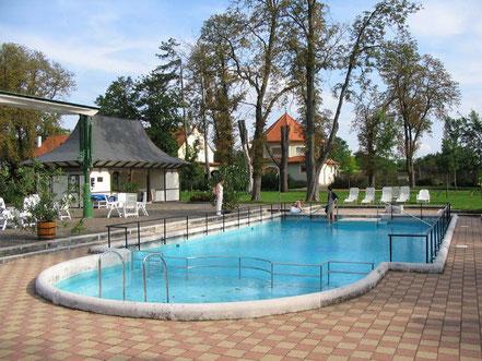 MAG Lifestyle Magazin Urlaub Reisen Ungarn Röjtökmuzsaj Schlosshotel Szidónia Spa Hotel Manor House Wellnessoase