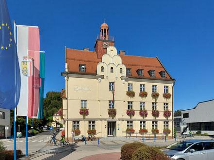 MAG Lifestyle Magazin online Urlaub Reisen Österreich Oberösterreich Bad Schallerbach Therme Rathaus