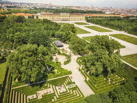 MAG Lifestyle Magazin online virtuell Schloss Schönbrunn Rundgang Welt Habsburger Geschichte entdecken Imperiale Impressionen Wien