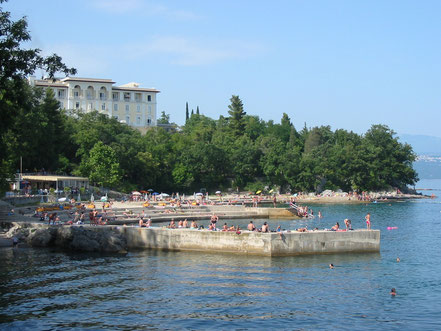 MAG Lifestyle Magazin Reisen Urlaub Kroatien Lovran Kvarner Edelkastanien Maroni Marunada
