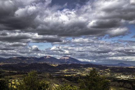 MAG Lifestyle Magazin Reisen Urlaub Italien Abruzzen Nationalpark Gran Sasso Monti della Laga Weinbau Winzer