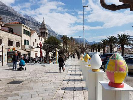 MAG Lifestyle Magazin Kroatien Dalmatien Urlaub Reisen Adria Makarska Riviera Altstadt Fischmarkt Muschelmuseum Filmdrehort Holiday in St. Tropez Lourdes Grotte Vepric Corona Coronavirus Ostern