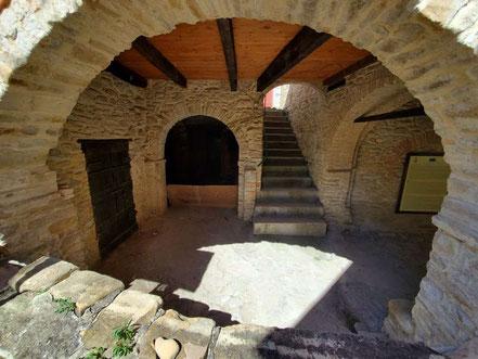 MAG Lifestyle Magazin Reisen Urlaub Italien Abruzzen Bisenti Altstadt Abruzzen Pontius Pilatus Wohnhaus