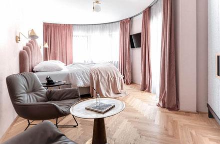 MAG Lifestyle Magazin Reisen Urlaub Reisen Österreich Tirol Zillertal Hotels Designhotel Zillertalerhof Mayrhofen