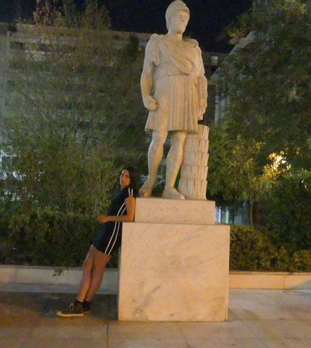 MAG Lifestyle Magazin Urlaub Reisen Reisebericht Cornelia Singer Griechenland Athen Attiki Musik Feministin Antike Akropolis