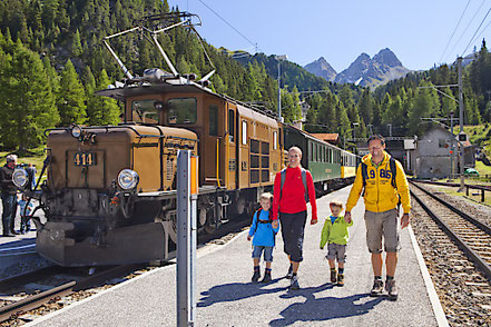 MAG Lifestyle Magazin online Schweiz Event Events  Urlaub Reisen Schweiz Bahnreisen Rhätische Bahn RhB