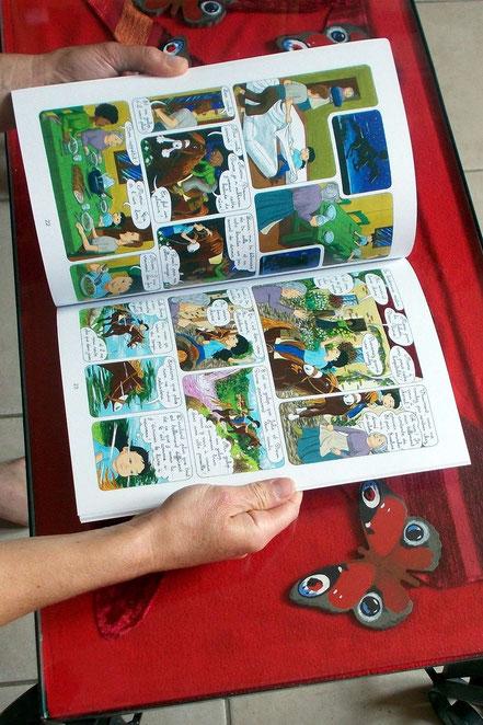 Comment publier, éditer un livre ou une BD ? L'île de l'Oiseau de feu, photo des pages intérieures. Les aventures de Julie et Beau Prince, par Emmanuelle OLGUIN, COBEditions