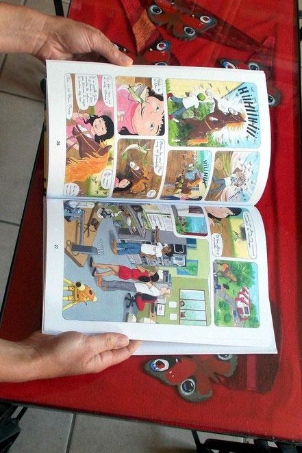 """Comment publier, éditer un livre ou une BD ? """"Entre les pages des Volcans"""", photo des pages intérieures. Les aventures de Julie et Beau Prince, par Emmanuelle OLGUIN, COBEditions"""