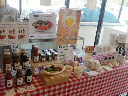 ミモレ農園マルシェの手作りソースやhinoki LAB「ひのき精油」など、岡山ひのきの香り製品も販売しました。