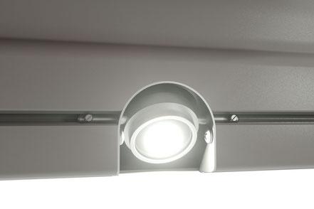 markilux 1650 Halbkassettenmarkise mit LED Spot in der Ausfallblende