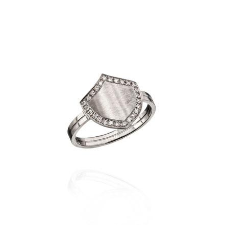 BRAVE HEART Ring gefertigt aus 18kt Weißgold, rhodiniert mit Brillanten - Schutzschild - designt und fefertigt in Hamburg - atelier s. Sandra Simon - Schmuckdesign