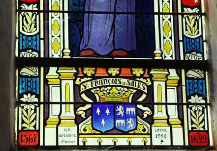 Détail vitrail de l'église de Bouchamps