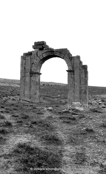 Markouna (Verecunda) : Arc dédié à Marc-Aurèle et Lucius Verus - Lambèse - Lambaesis