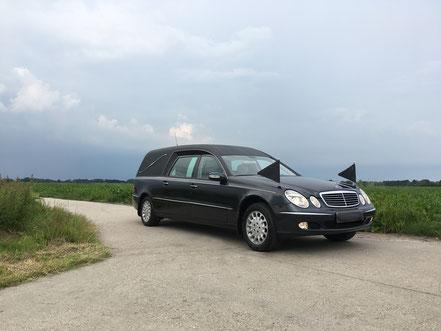 Lijkwagen Mercedes