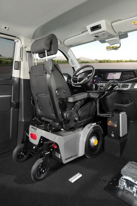 behindertengerechter Volkswagen T6.1 Selbstfahrerumbau, Bodenbegradigung von A-C Säule, Space Drive, Dockingstation, Kassettenlift, Sodermanns