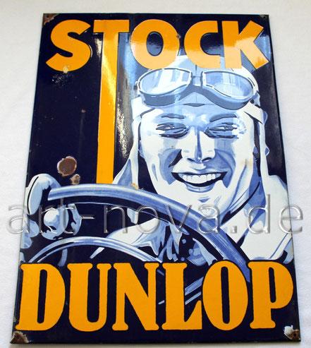 Schönes Emailschild Stock Dunlop im unrestaurierten Erhaltungszustand.