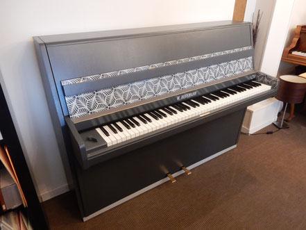Piano Hoffmann relooké 70's