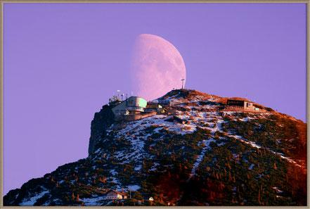 Mond und Untersberg - Moon and Untersberg Mountain  MeixnerObservatorium