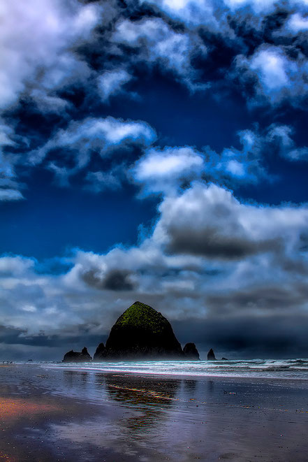 The Rock - Cannon Beach, Oregon - NWCN012