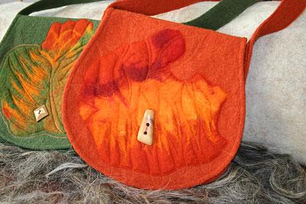 Walktaschen mit Filz Muster und Holzknopf,handgemachtes Accessoires aus Naturstoff Walker
