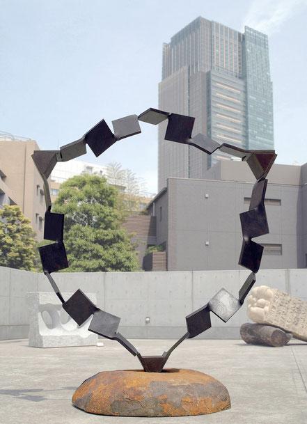 Metamorphosis  未来への扉 <No.M - 24> / 2008 / H.210 x 180 x 100cm / cor-ten steel