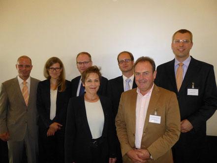 Generalsekretär Prof. Dr. Bachmann, Ricarda Retsch (Rat für nachhaltige Entwicklung), Uwe Bergmann (CSR-Direktor Henkel), Prof. Theurl (Uni Münster), Tom Veltmann (CSR-Experte), Anton Bausinger (BKU-Vorsitzender Köln), Matthias Buck (Deutsche Bank Köln)