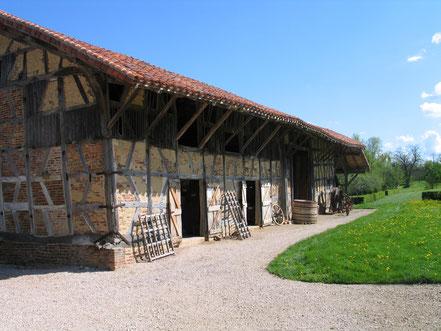 Bild: die Scheuer des Museum in der Bresse